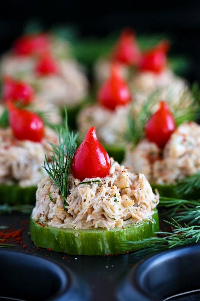 edle vorspeisen weihnachten vorbereiten krebs salat vorspeise scheiben gurkenscheiben