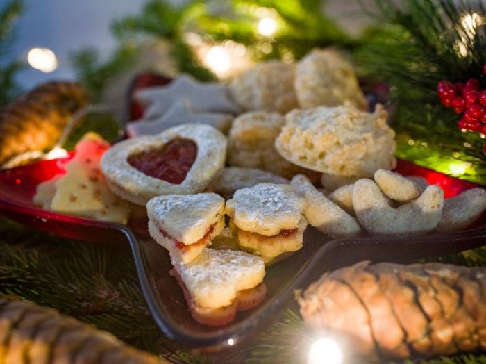einfache plätzchen rezepte kleine zimtsterne und herzen weihnachten desserts einfache weihnachtsgebäck rezepte