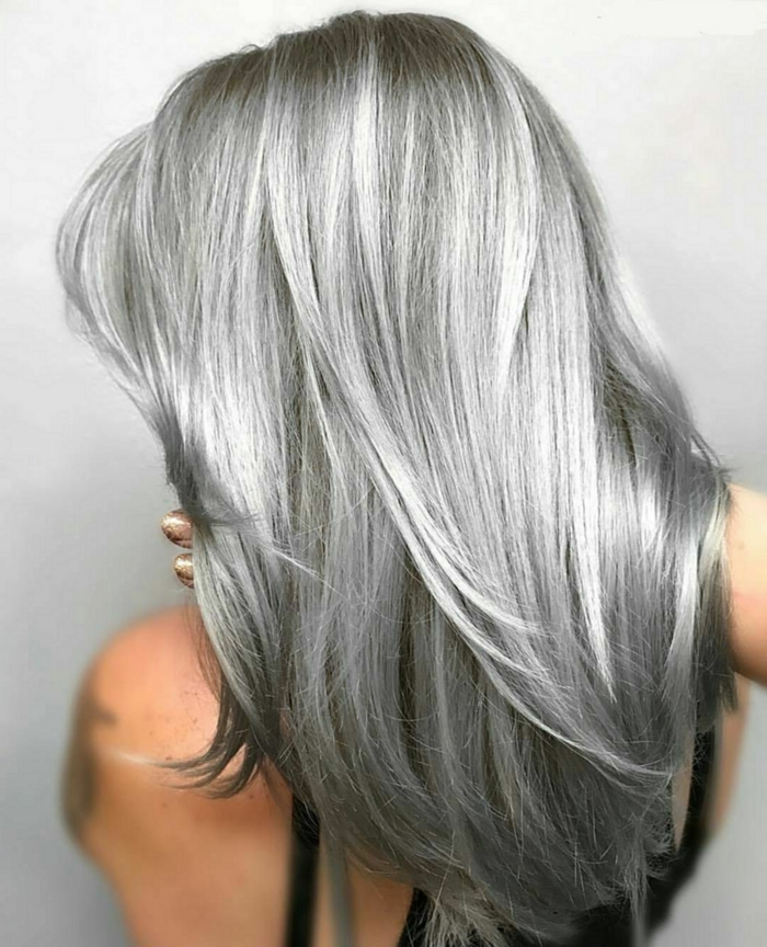 frisur mit einem langen grauen haar tipps für pfelege von grauem haar
