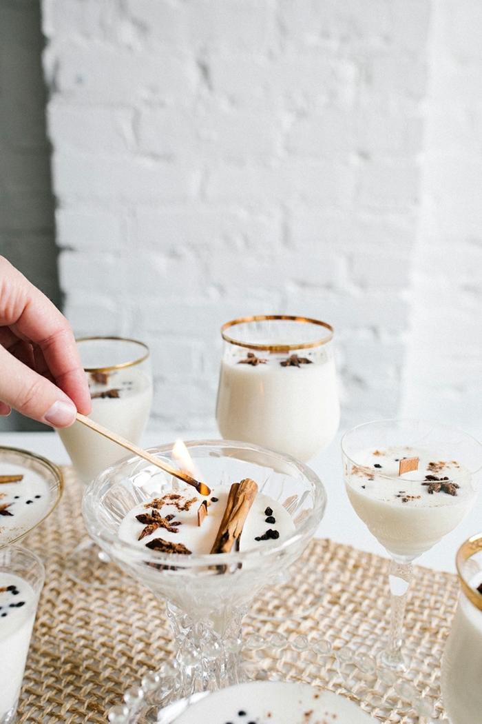geschenke selber machen eggnog kerzen selbst gießen weihanchtkerzen mit zimt und kaffee duftkerzen anleitung