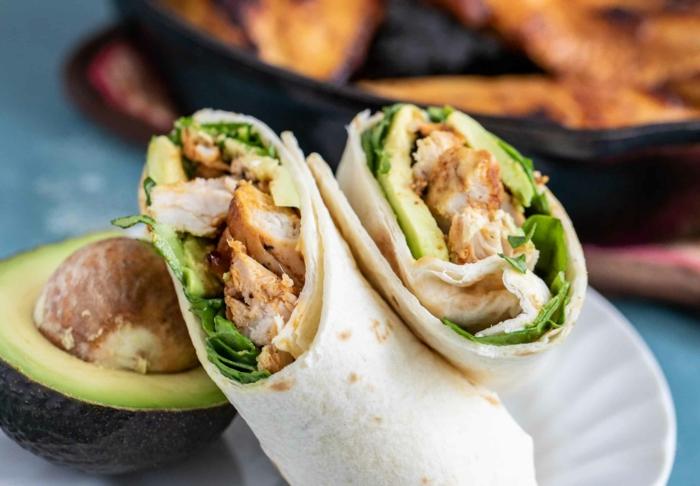 ideen für abendbrot wraps aufrollen stulle mit salat und avocado