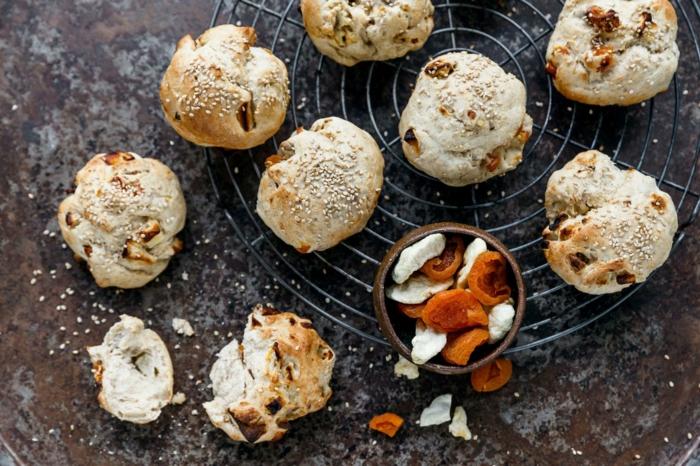 kleine gebackene früchtebrötchen rezept ein rezept für leckeres weihnachtsgebäck
