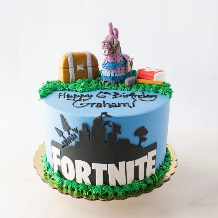 kreative ideen geburtstagsparty teenager fortnite kuchen deko ideen blau grüne torte mit dekoration
