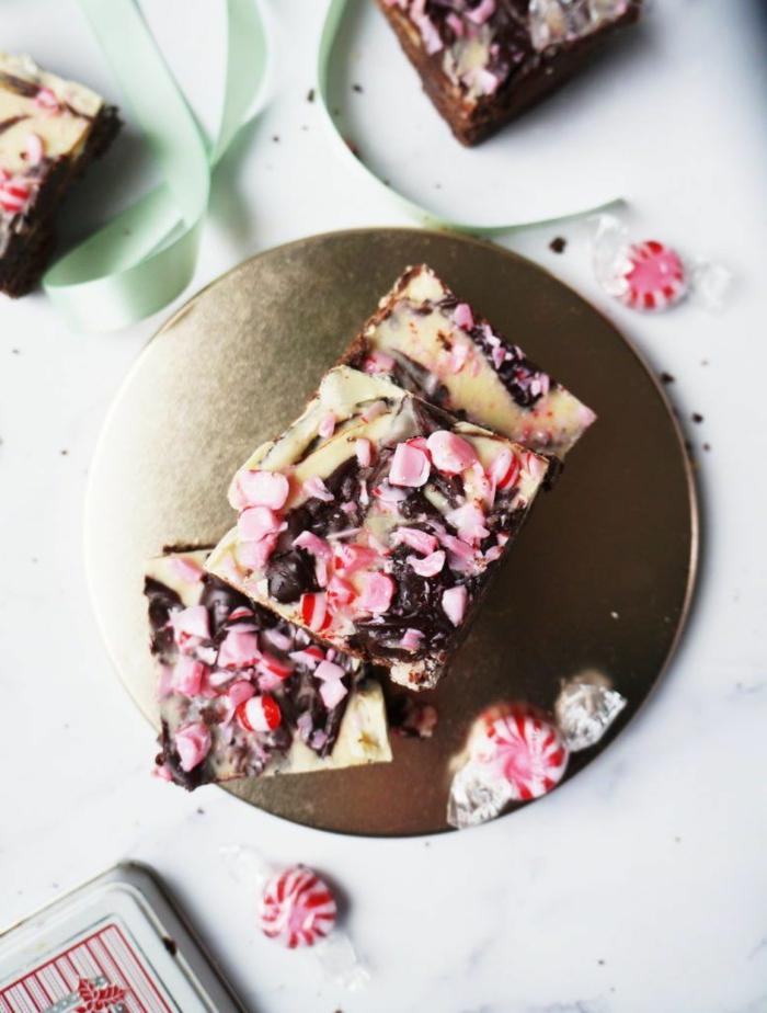 low carb rezepte für weihnachten brownies mit weißer und schwarzer schokolade pfefferminz zubereiten