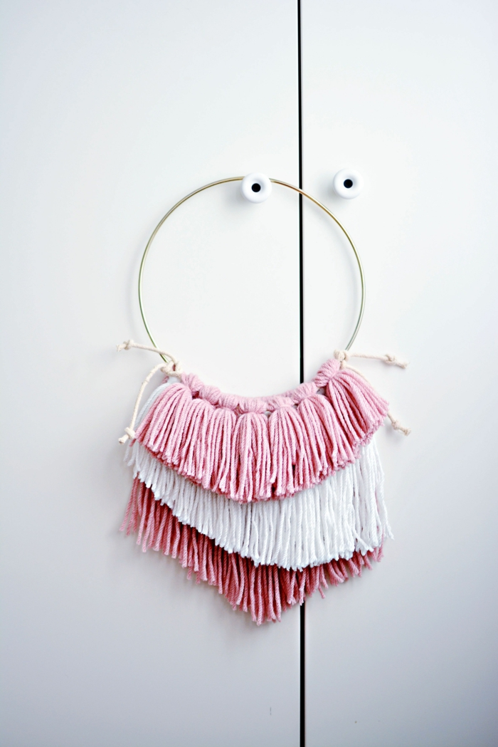 mädchenzimmer einrichten einfache diy traumfänger selber machen in pink und weiß kreative bastelideen für erwachsene und kinder