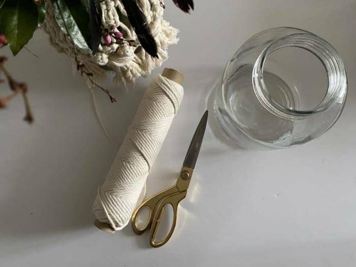 makramee vase diy anleitung nötige materialien einmachglas scheren makramee garn weiß