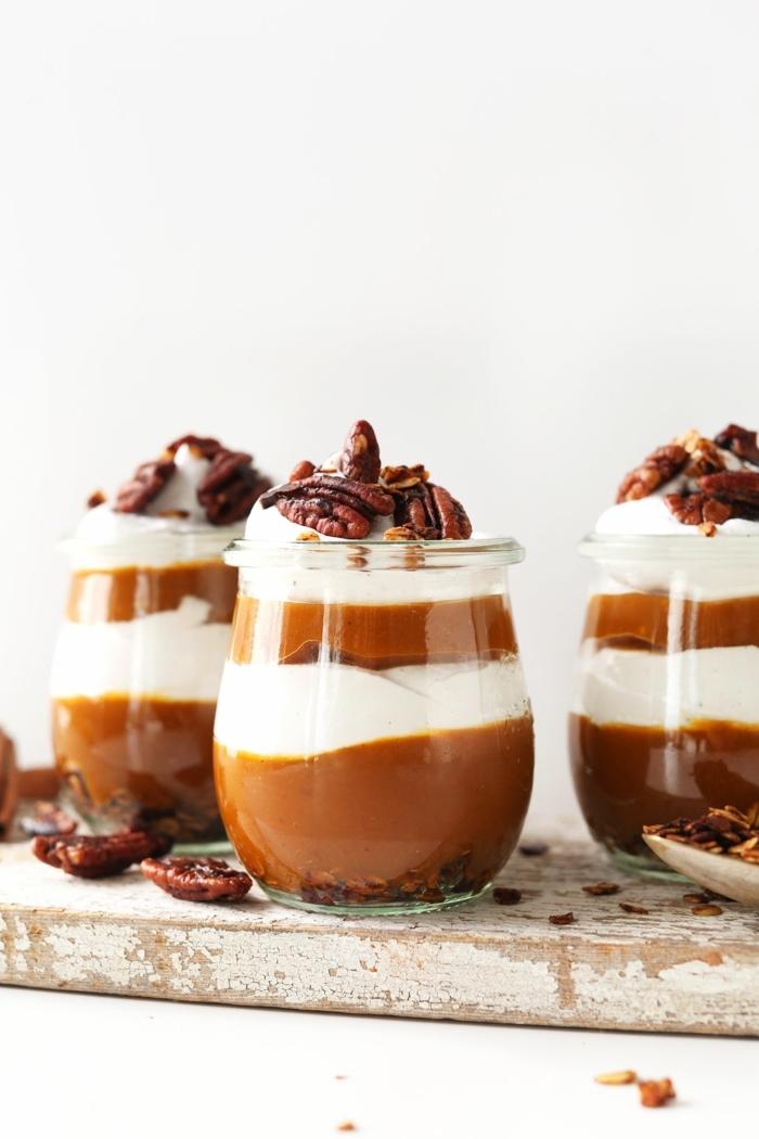 nachspeise im glas pudding mit kürbis und pekannüssen einfache und schnelle nachtisch rezepte