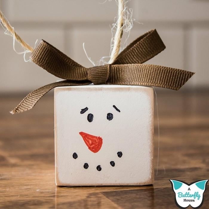 schneemann aus pappe basteln diy inspo weihnachtsbaum ideen bastelideen für kinder weihnachtsdeko