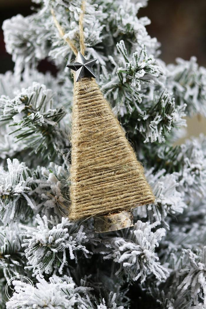 selbstgemachte ornamente weihnachten baum aus seil weihnachtsbaum schmücken ideen modern tannenbaum deko