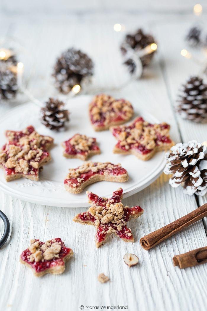 sterne kekse backen zu weihnachten beste weihnachtsplätzchen selber backen mit marmelade zimt und nüsse dekorierte tannenzapfen