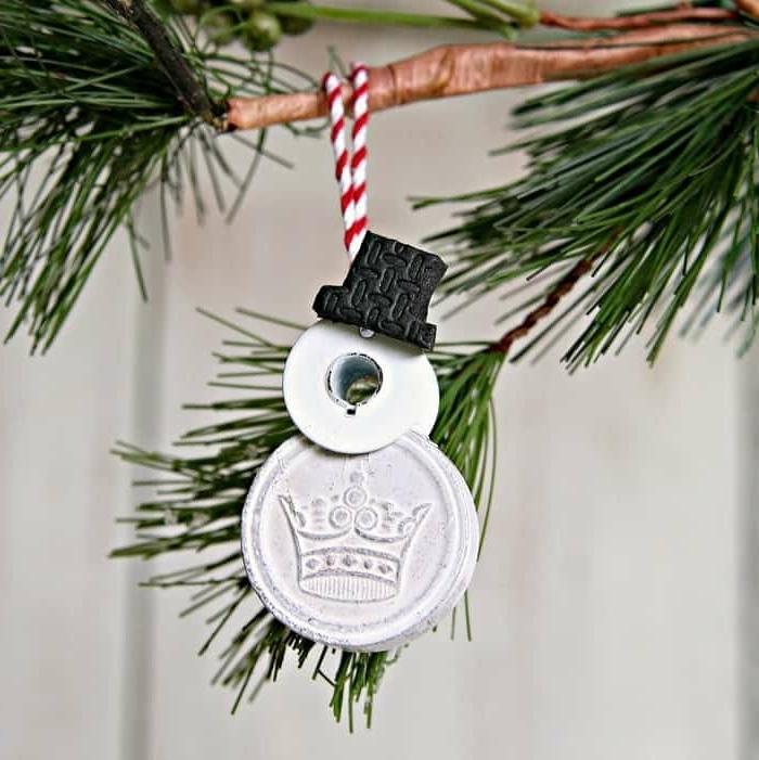 weihnachtliches basteln mit kindern weihanchtsdeko selber machen christbaumschmuck schneemann diy