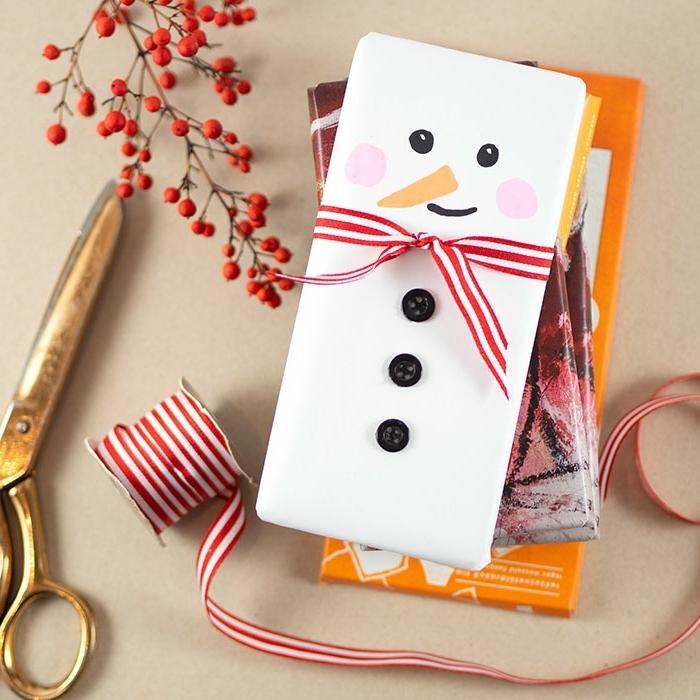 weihnachtsbasteln mit kindern geschenke originell verpacken geschenkverpackung schneemann weihnachtsgeschenke