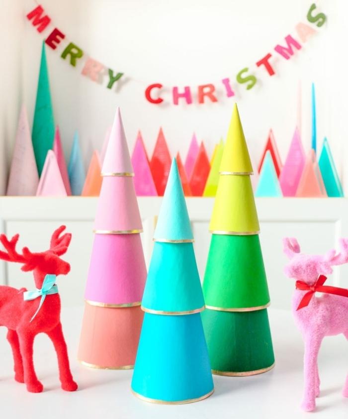 weihnachtsliches basteln mit kindern ideen zum selbermachen bunte tannenböume im ombre look weihnachtsbäume aus papierkegeln