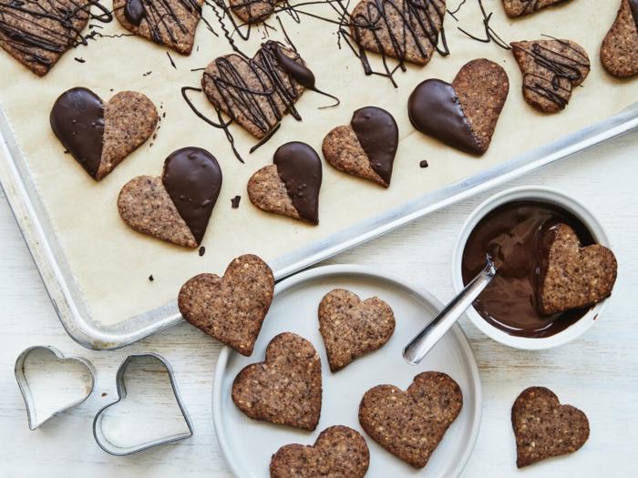 zimtherzen mit schokolade rezept kleine plätzchen rezepte ein messer mit schokolade