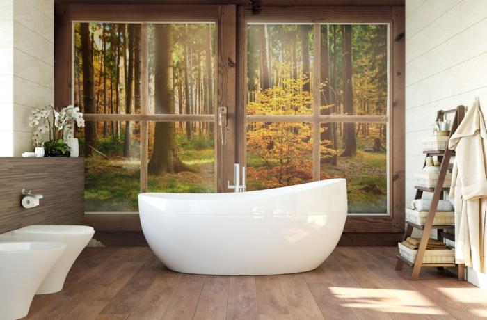 1 badezimmer einrichten große badewanne fototapete natur tapete mit waldmotiv