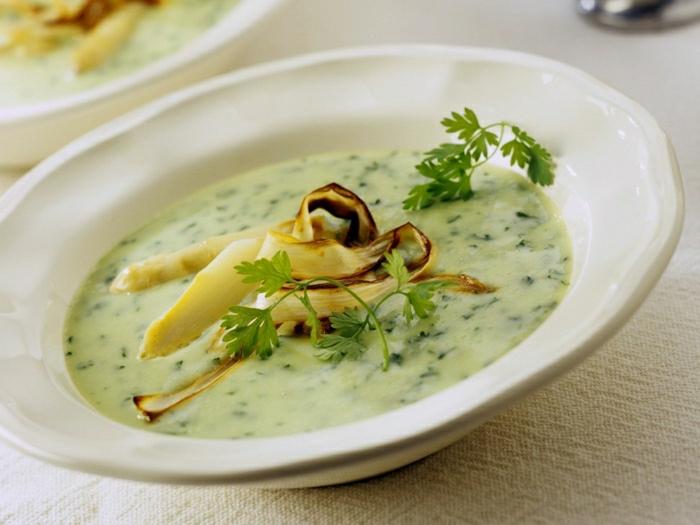 petersilienwurzelsuppe rezept eine grüne suppe mit kartoffeln petersilie und sahne