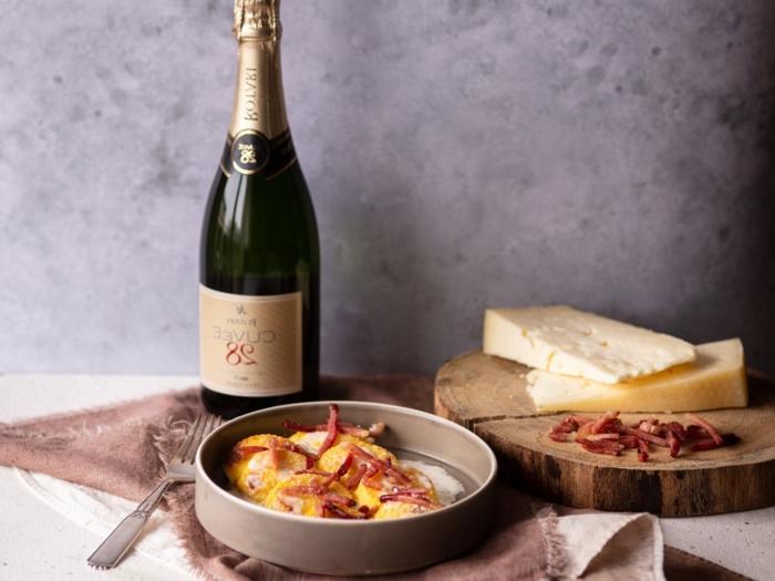 bestes gnocchi rezept gnocchi di semolino mit parmigiano und schinken gebacken flasche champagne gnocchi italienisch zubereiten