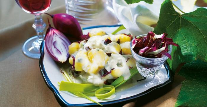 bestes gnocchi rezept mit radicchio rotem zwiebel und käse soße rezepte mit radicchio selbstmachen