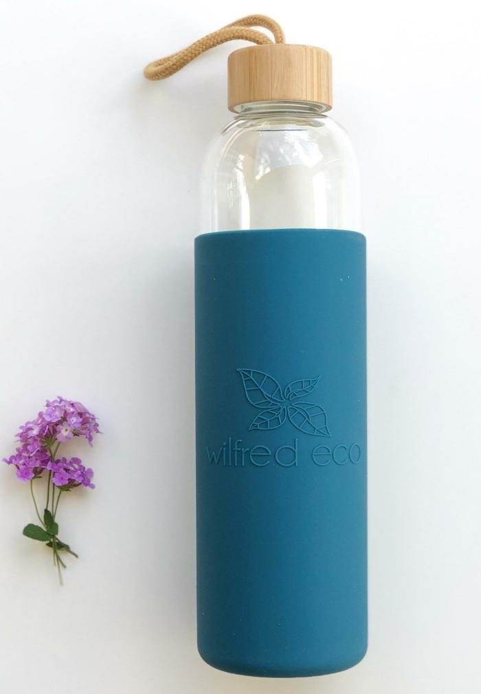 blume eine trinkflasche mit schutzhülle