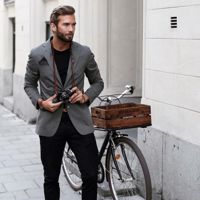 ein fahrrad mann mit anzug