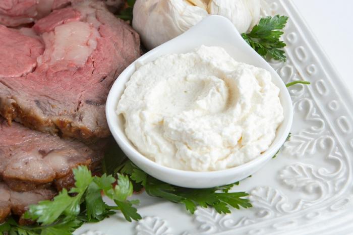 fleisch und dip aus meerrettich und sahne weiße decke das immunsystem stärken