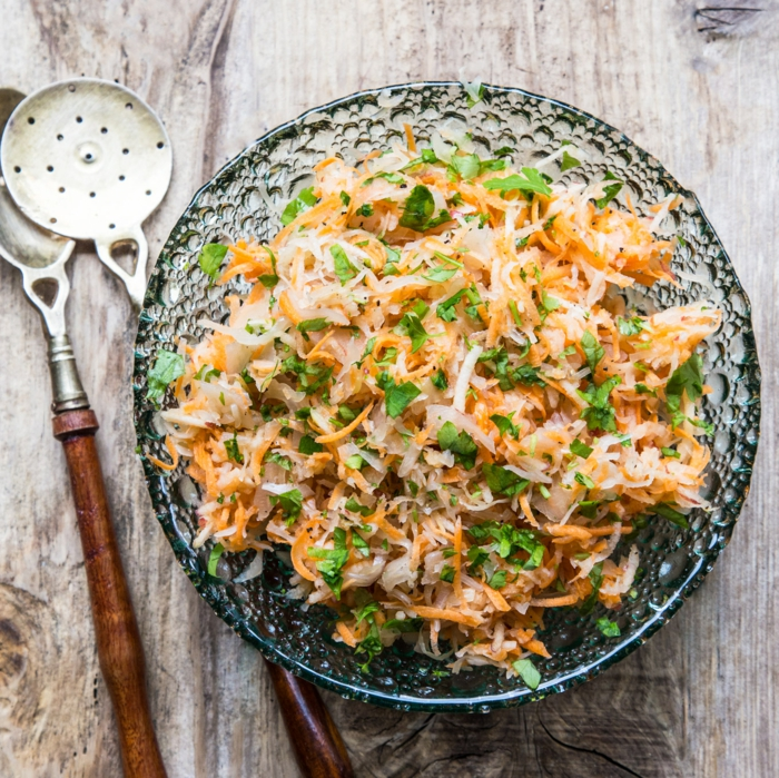 gerichte mit sauerkrauer veganer sauerkrautsalat mit 3 zutaten leckere und schnelle gerichte abendessen gesunde ernährung