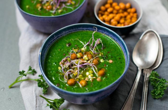 gesunde suppe aus petersilliekartoffeln und sahne und gemüsebrühe das immunsystem stärken