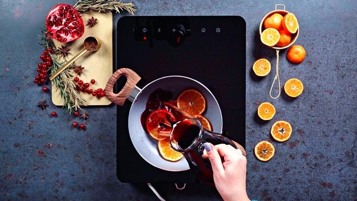 glühwein selber machen roter wein orangen kärutern einfache zubereitung
