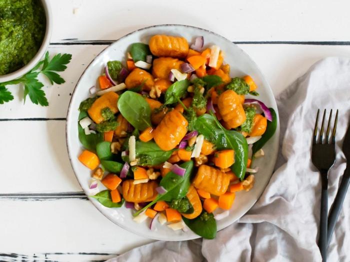 gnocchi gerichte vollkorn gnocchi mit süßkartoffeln kräuter pestp zwiebel bestes gnocchi rezept gnocchi zutaten