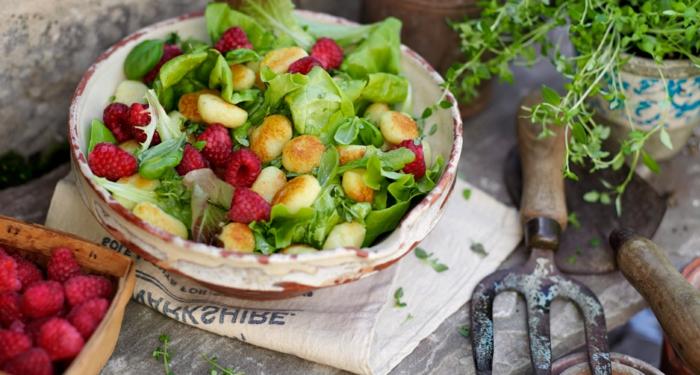 gnocchi zutaten bestes gnocchi rezept salat mit gnocchi grünsalat himbeeren bestes gnocchi rezept frische rezete mit gnocchi