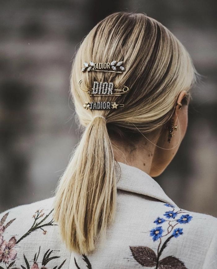 leonie hanne blonde haare im niedrigen pferdeschwanz haaraaccessoires trends frisuren mittellanges haar ideen
