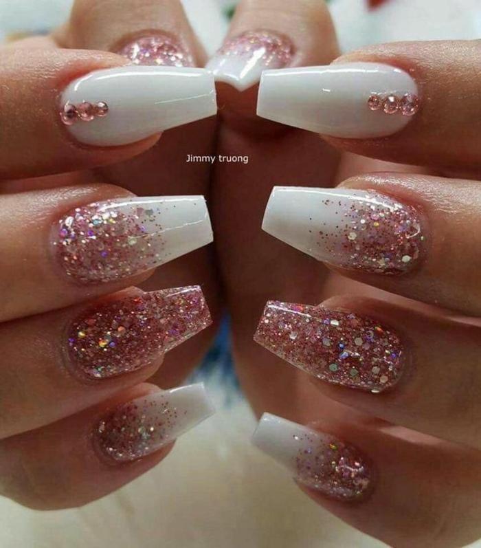 nägel mandelform lang glitter ombre nails weißer nagellack mit pinkem glitzer festliches nageldesign