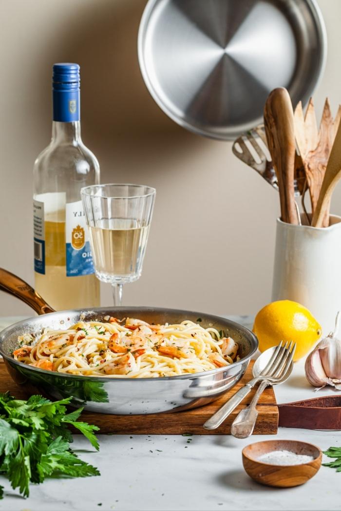 one pot pasta rezepte was koche ich heute spaghetti mit zitrone garnelen und parmesan käse