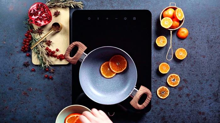 rezepte zu weihnachten wintergetränk weihnachtsgetränk mit wein orangen zimt und sternanis