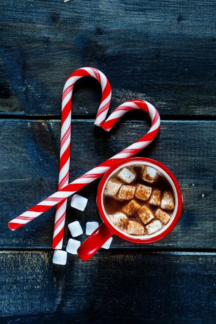 rot weiße zuckerstangen herzform tasse mit kaffee und marshmallows weihnachtsbilder kostenlos als hintergrund handy festlich