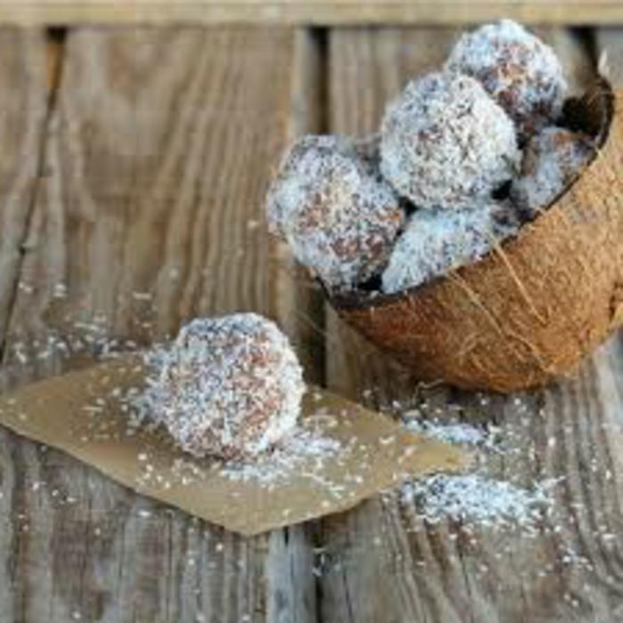 rumkugeln aus kuchenresten rumkugeln aus kuchenteig kokosflocken kakao saftige rumkugeln