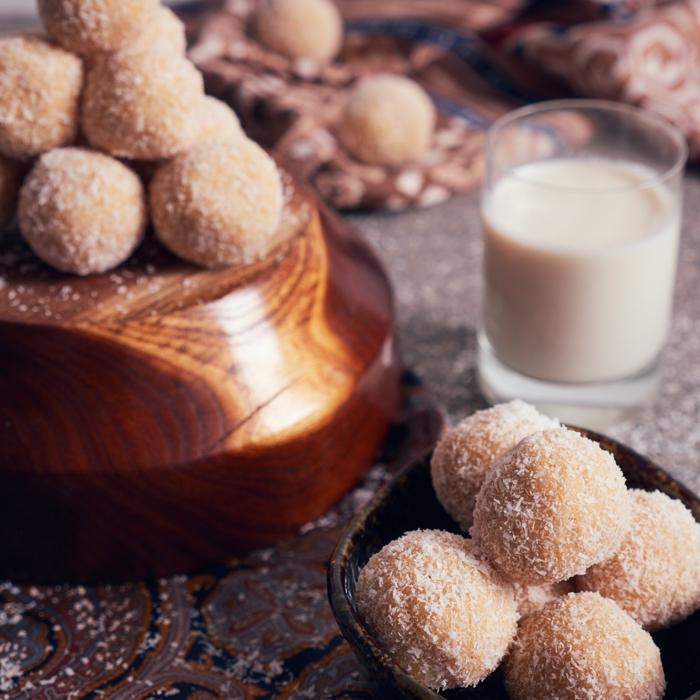 rumkugeln rezept wie vom bäcker weiße rumkugeln rezept kokosmilch vanille vegan