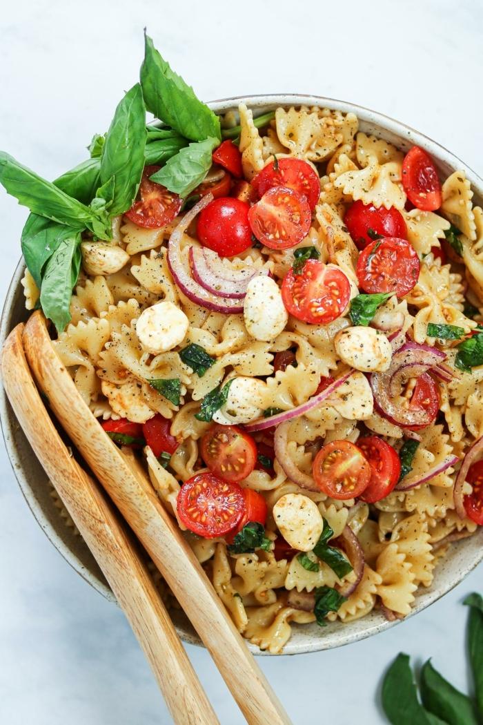 schnelle leichte pasta rezepte caprese salatselber machen ideen variationen italienische küche abendessen