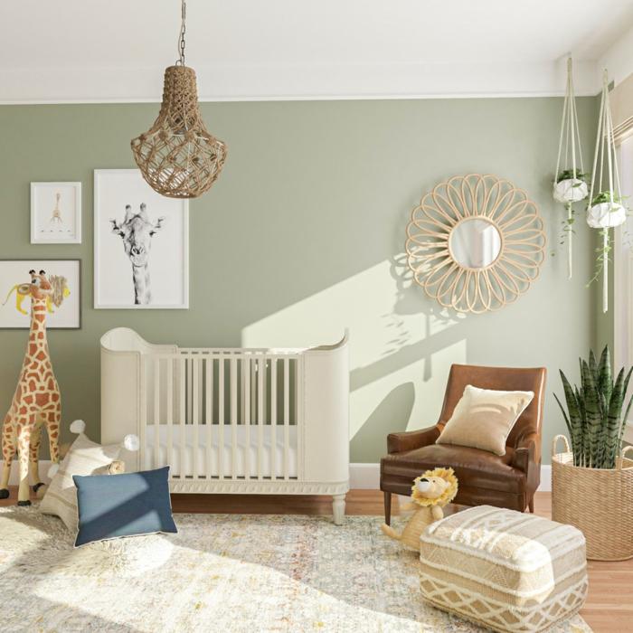sofa babybett babyzimmer einrichten grüne wand