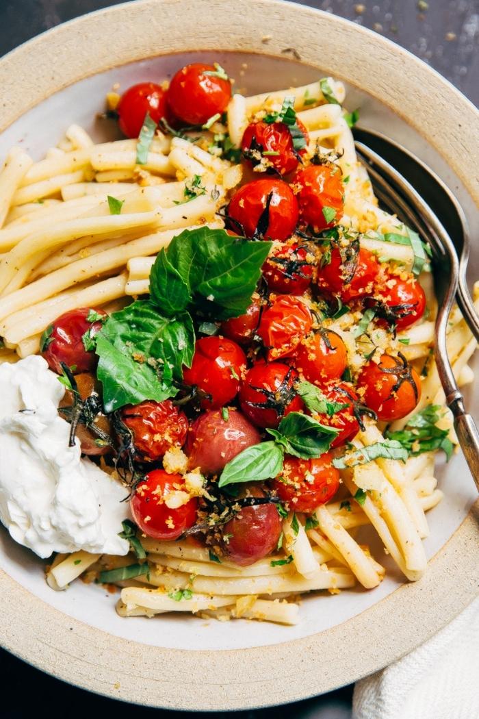 spaghetti rezepte einfach gericht mit gegrillten tomaten und basilikum was koche ich heute abendessen