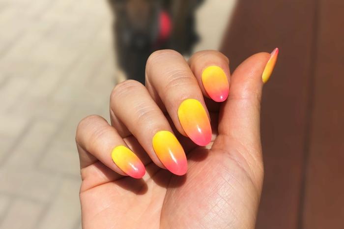 spitze gelnägel ombre design in gelbe und pinke farbe fließend schöne maniküre inspiration spitze nagelform