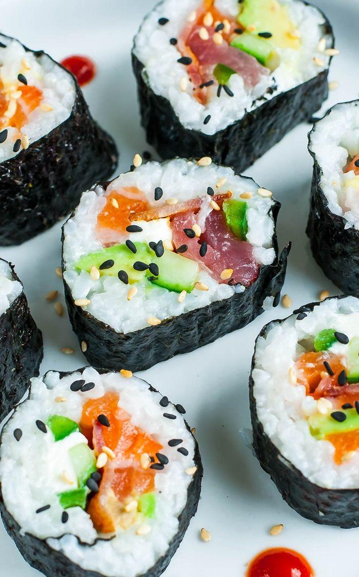 sushi reis selber machen selbstgemachte häppchen mit lachs und gemüse