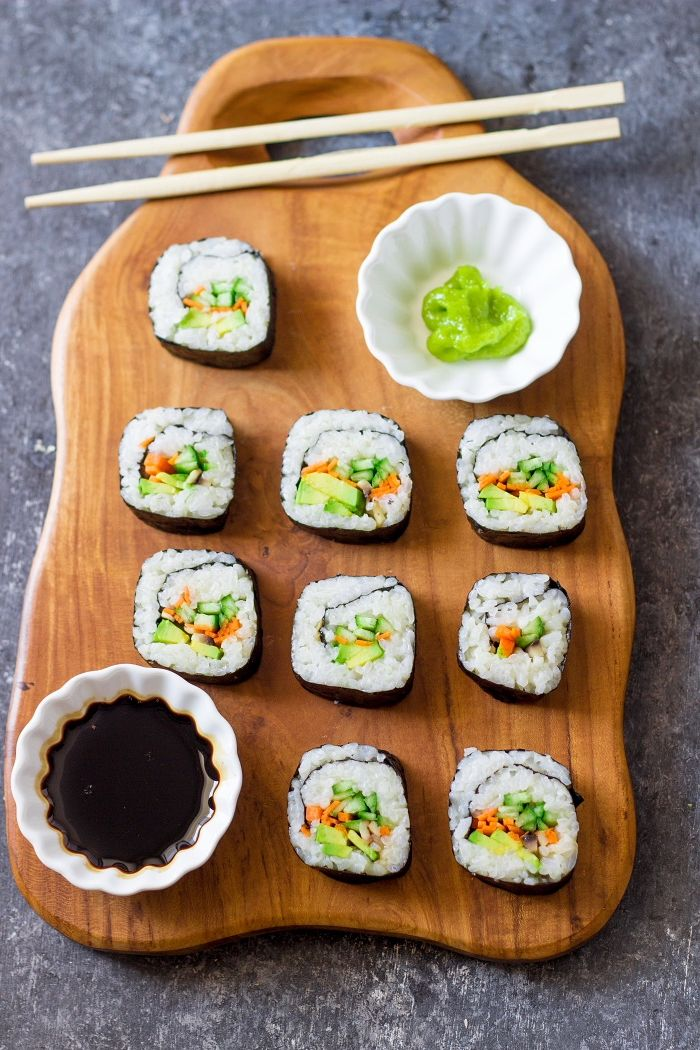 sushi selber machen leckeres partyessen rezepte mit reis vegetarisch