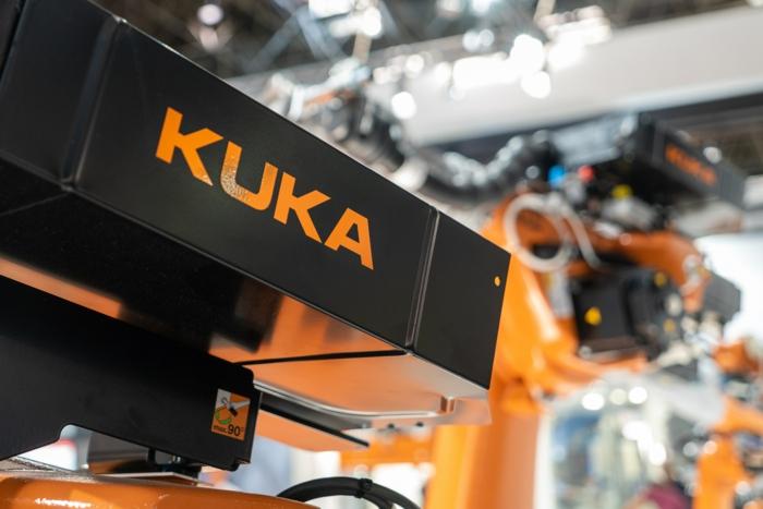 top 10 unternehmen in augsburg automisation herstellungsprozess roboter kuka konstruieren maschinen