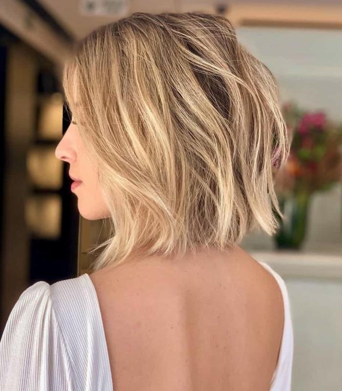 trendige kurzhaarfrisuren frauen 2020 blond mit strähnen damen frisuren kurz inspiration