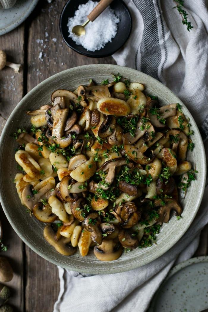 vegan gnocchi gnocchi ohne ei original italienische gnocchi selber machen gnocchi grundrezept mit pilzen weihrauch würzeln