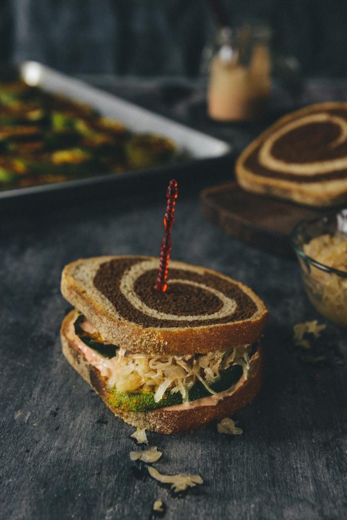 vegetarische zucchini reubens sandwich leckere rezepte mit sauerkraut zubereiten