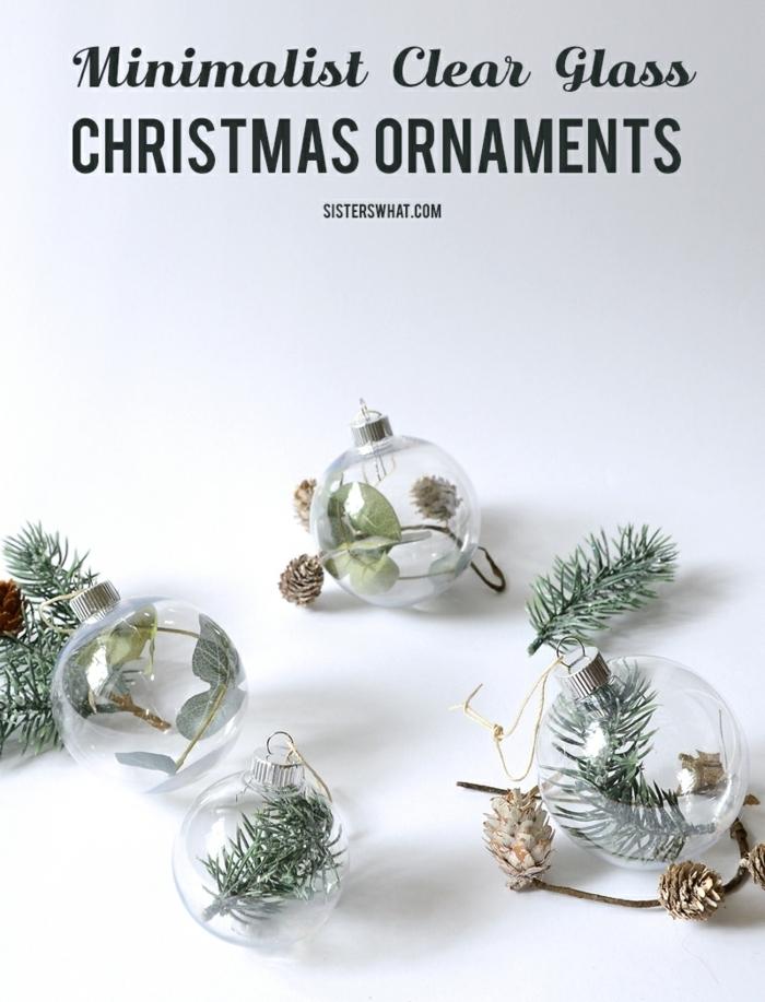 weihnachtsdeko basteln für den tisch transparente weihnachtskugeln dekoriert mit tannenzweigen einfache selbstgemachte deko