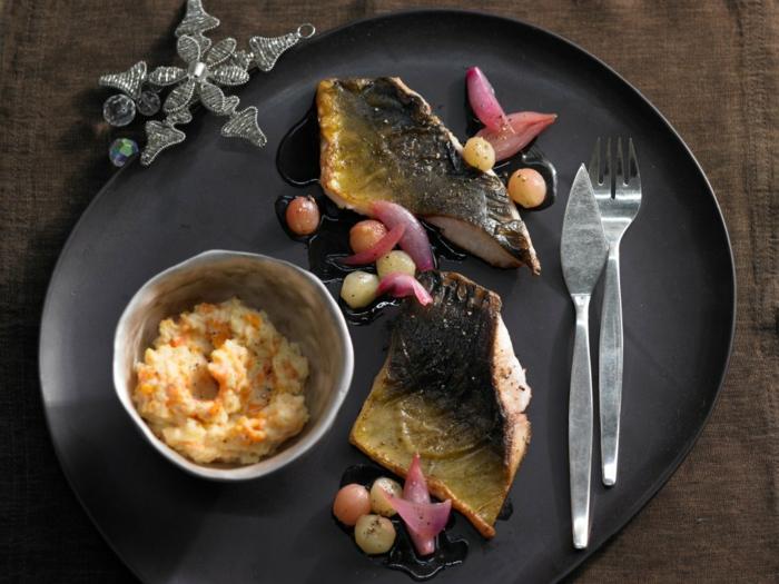 weihnachtsessen rezepte fisch karpfenfilet mit karamell trauben schnelles weihnachtsessen