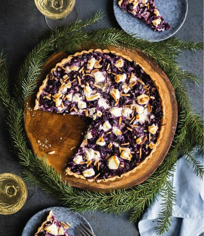 weihnachtsessen stressfrei rotkohl ziegenkäse quische einfaches weinachtsmenü weihnachtskranz
